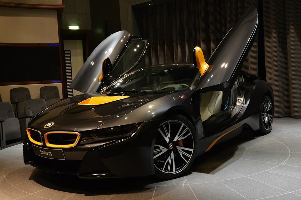 Abu Dhabi Gets Another BMW I Individual Motorward Black And - A bmw i8