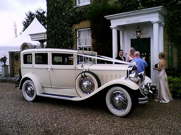 Wedding Photos Involving Vintage And Classic Wedding Cars Brides Grooms Fantasy Cars Vintage Cars Wedding Car