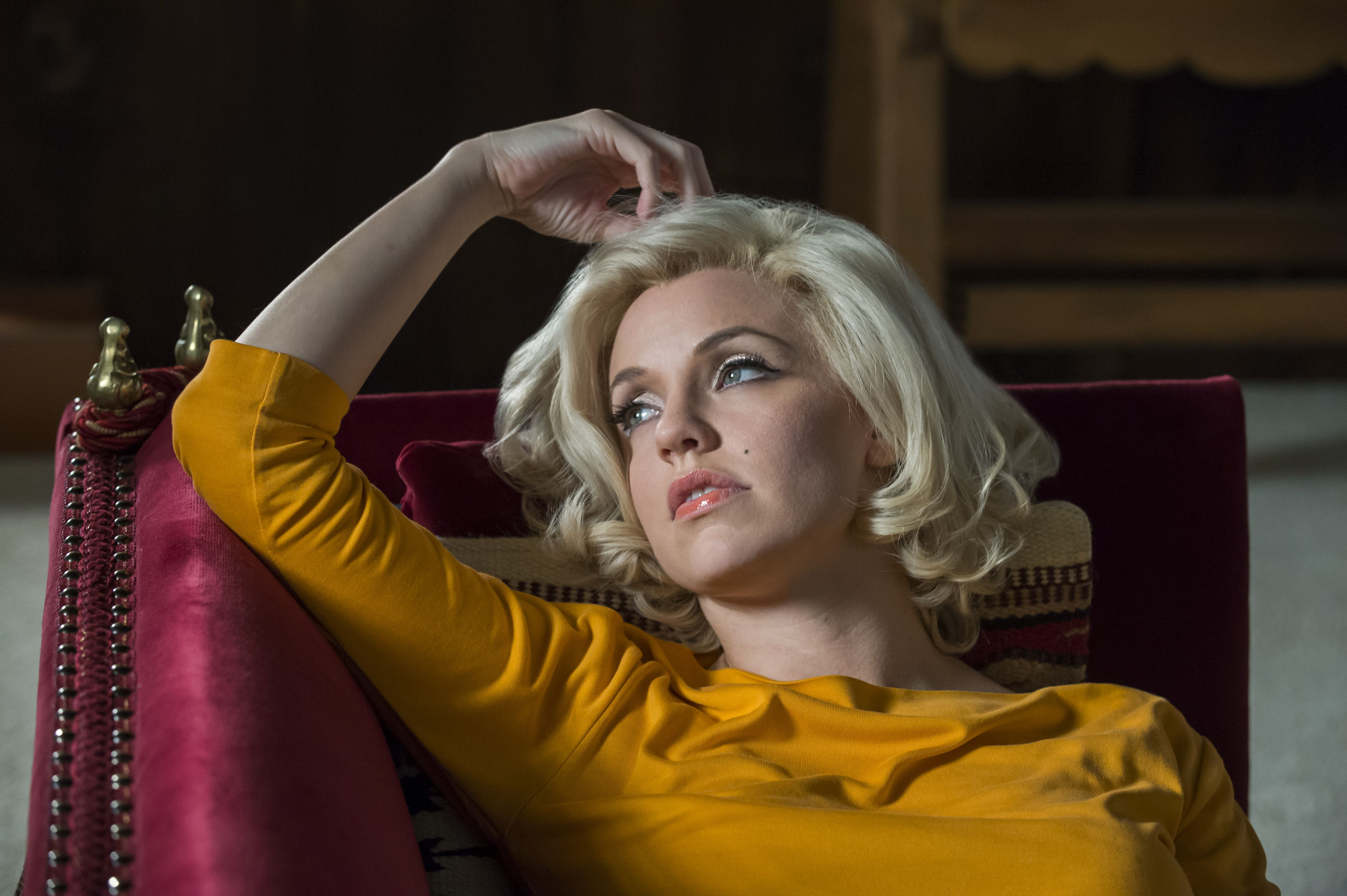 Kelli Garner As Marilyn The Secret Life Of Marilyn Monroe Com