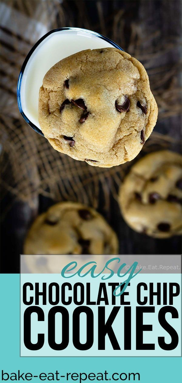These easy chocolate chip cookies are quick to mix up and bake into perfectly chewy chocolate chip cookies. The best chocolate chip cookie recipe I've made! #cookies #cookie #chocolatechip #chocolatechipcookies #quickcookierecipes