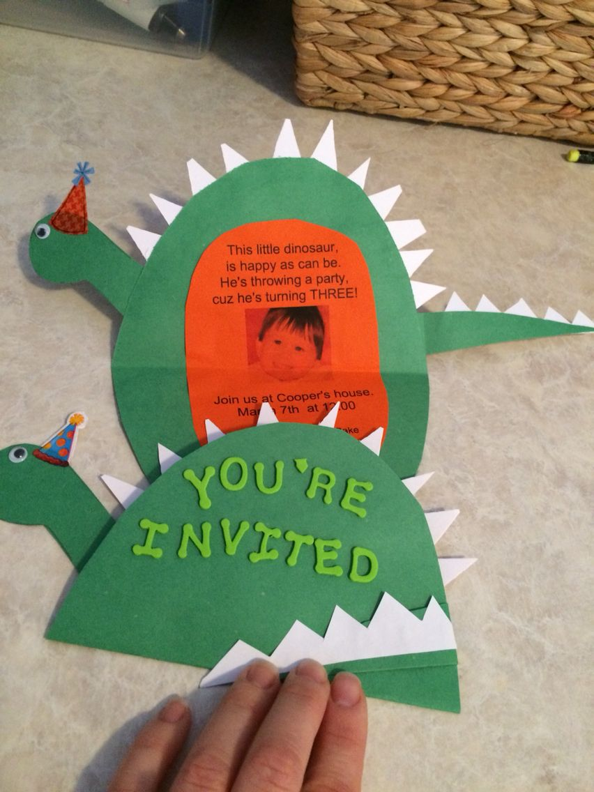 DIY dinosaur invitations. So easy that my 2 and 4-year old kids did ...