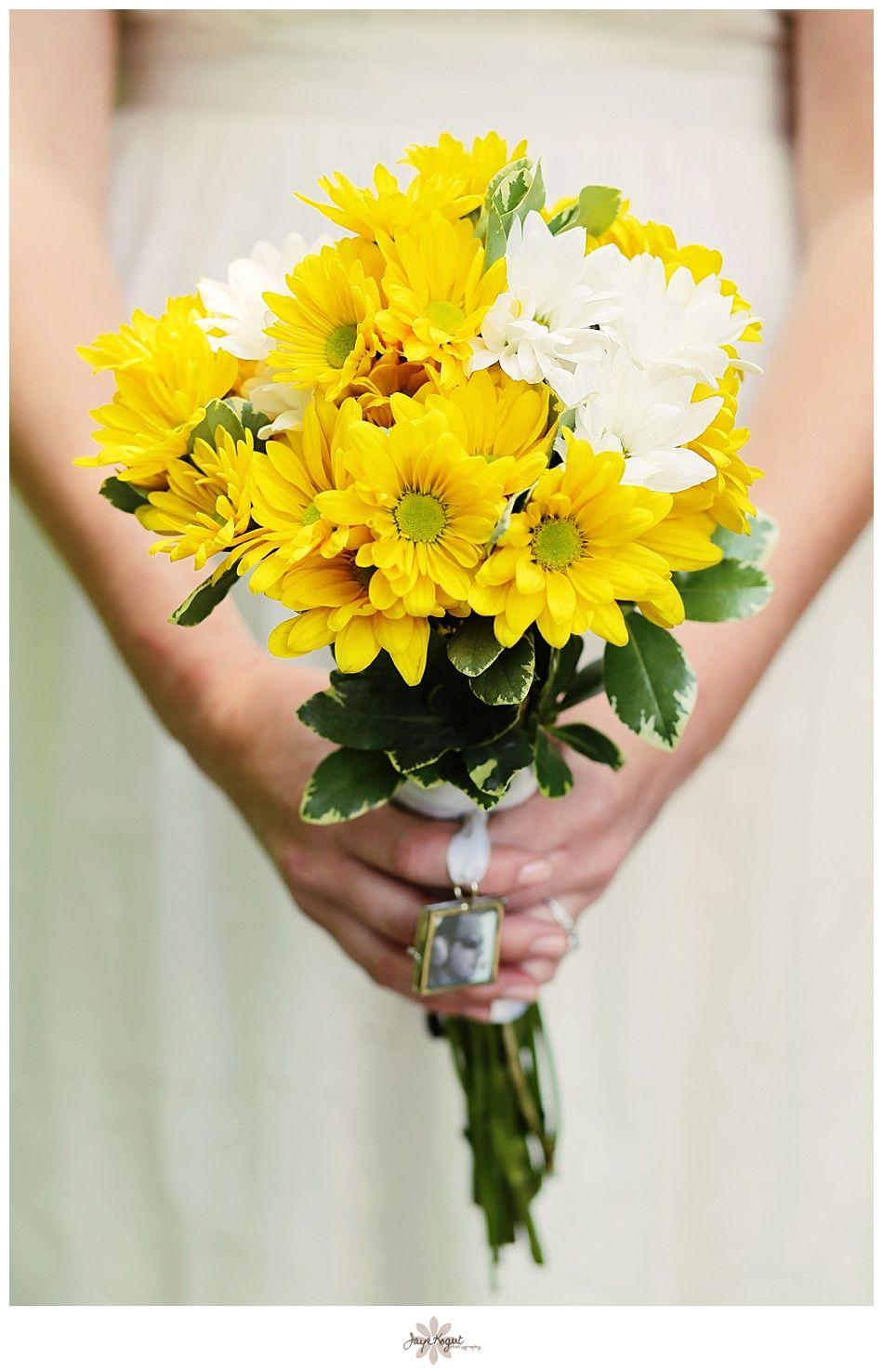 Yellow wedding bouquet yellow wedding flowers daisy wedding yellow wedding bouquet yellow wedding flowers daisy wedding bouquet nj wedding photographer izmirmasajfo