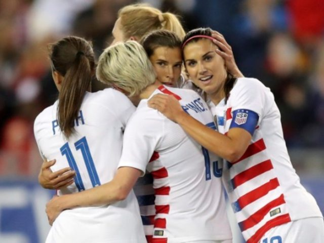 Crowd Chants Equal Pay After U S Women S Team Wins World Cup Women S Soccer Team Womens Soccer Men S Soccer Teams