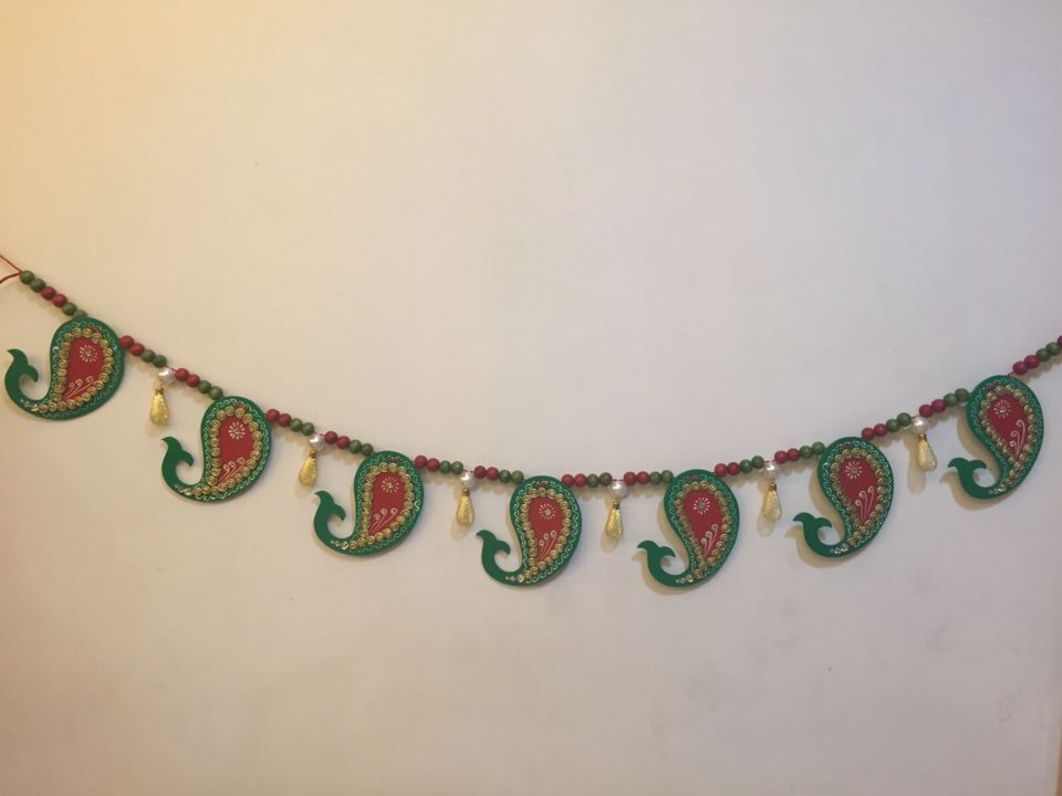 Home Decor For Diwali Wooden Paisley And Colorful Beads Make Up This  Special Bandhanwar Add Charm. DiwaliPaisleyFrisurenDekoideen ...