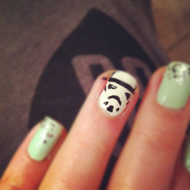 Stormtrooper accent nail!