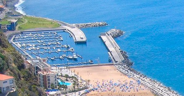 Port of Calheta Recreational - Madeira Island - Port of Calheta Recreational Port of Calheta - Madeira Island - Find cheap hotels and holiday cottages, nature and rural houses, discounts and the right