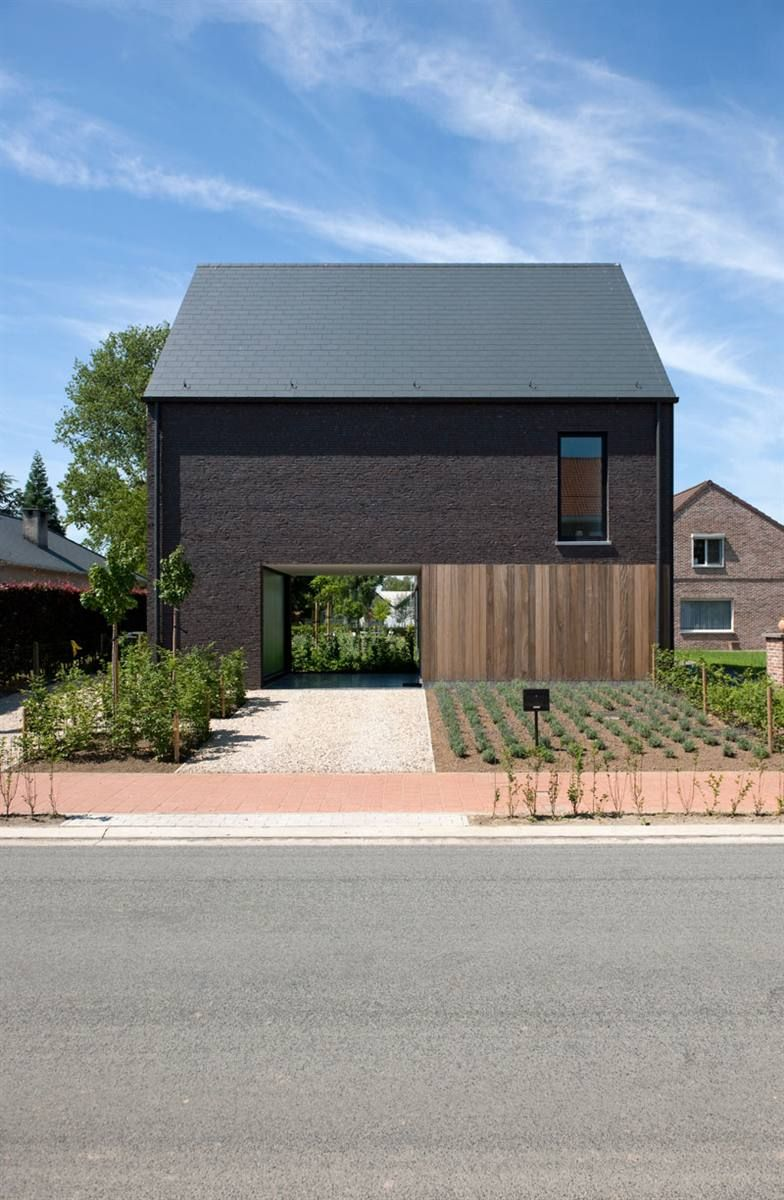 Voorgevel driegevelwoning verdickt verdickt architecten huis pinterest architecture house - Moderne huis gevel ...