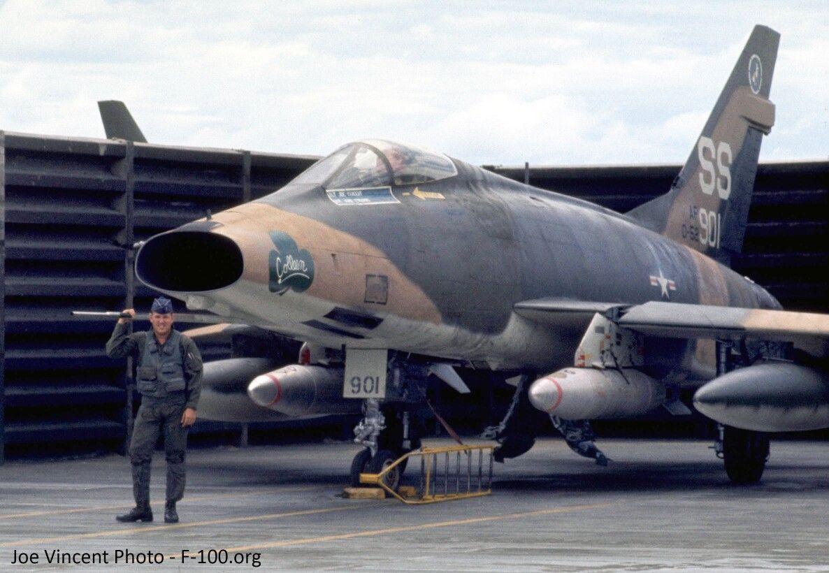 Na F 100 D Supersabre Military Aircraft Us Military Aircraft Airplane Fighter