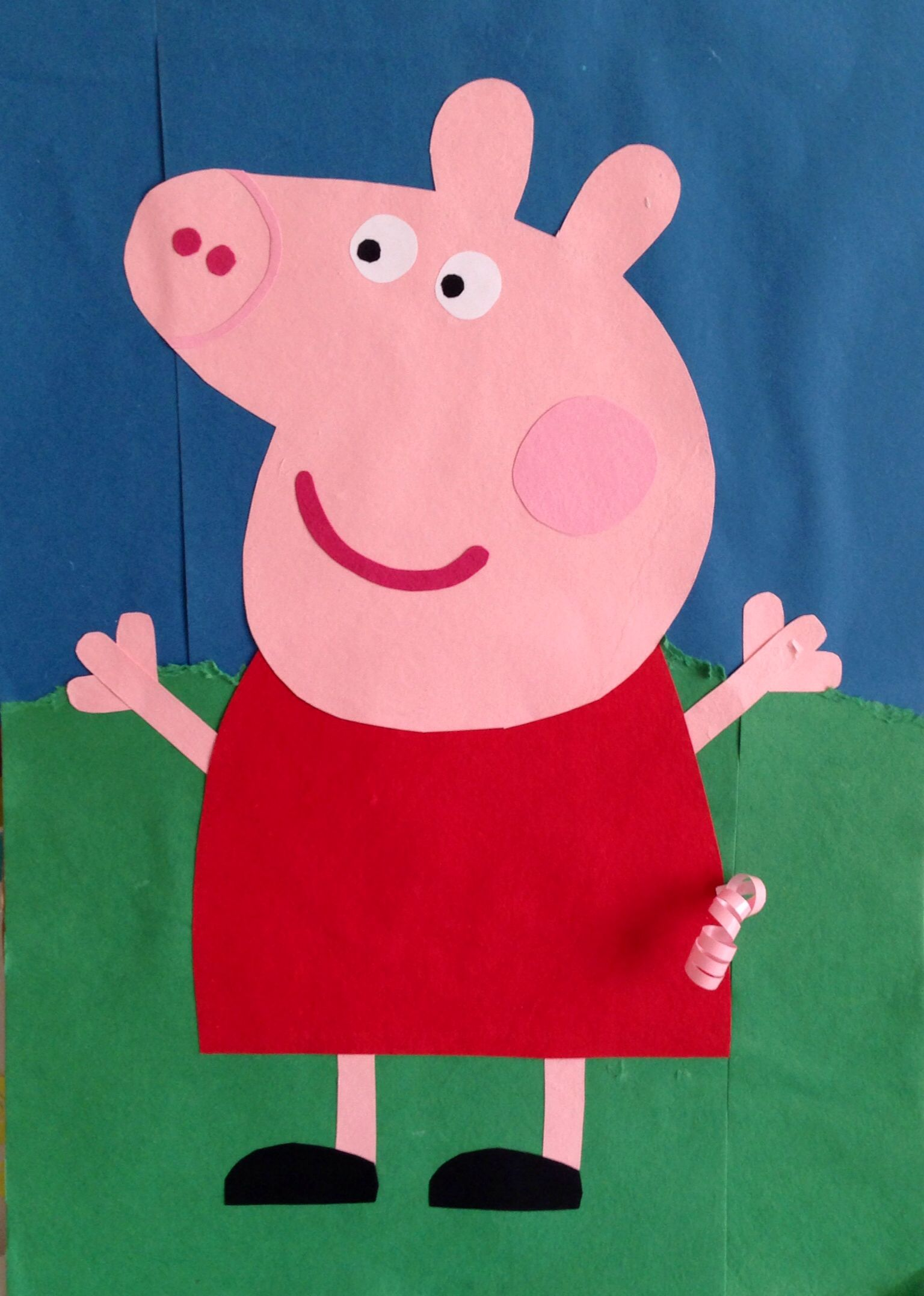 Pin the tail on peppa pig birthday game with curly ribbon tails
