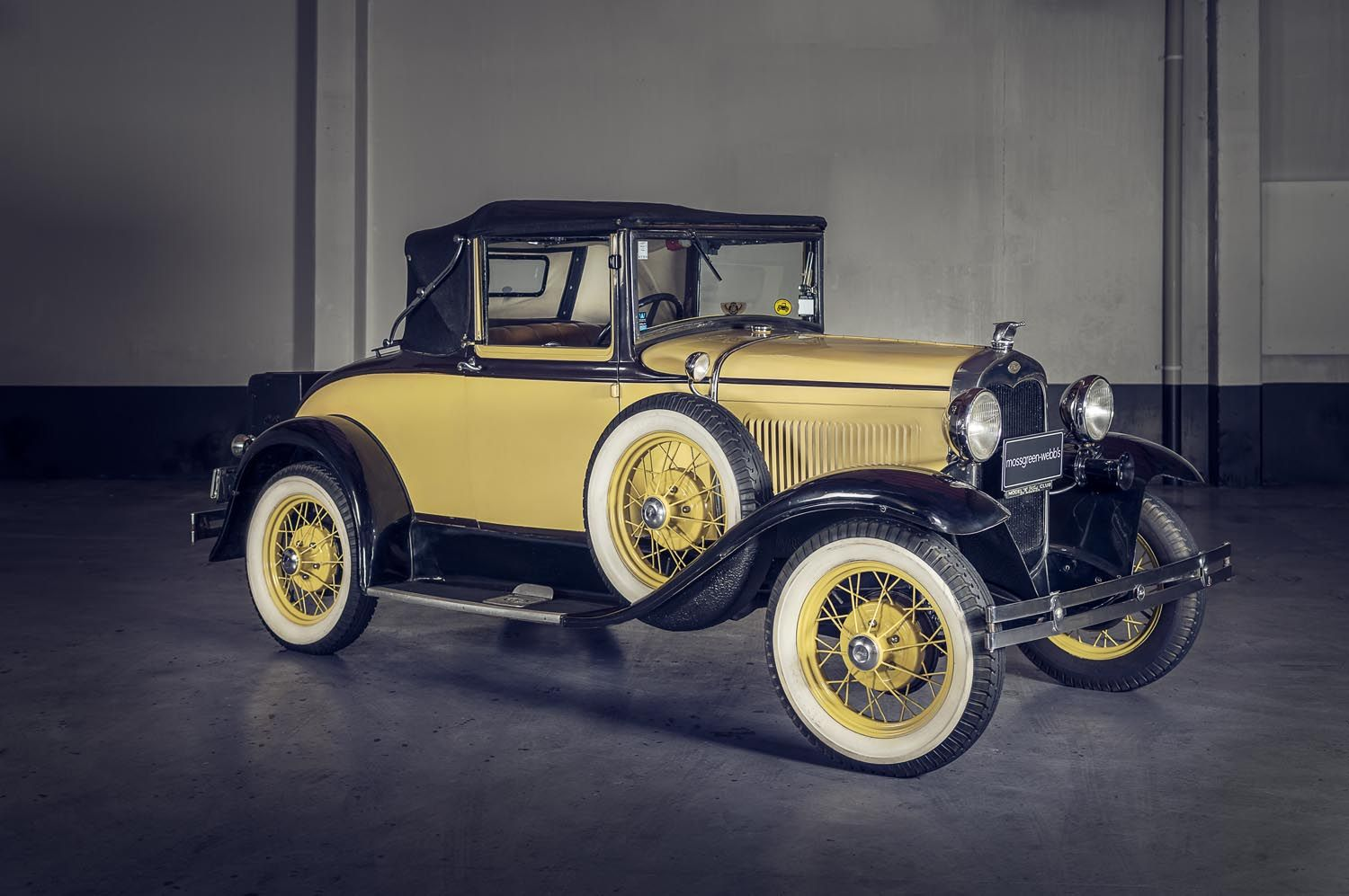 1930 FORD MODEL A DELUXE CABRIOLE Lot closed Price