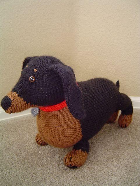 Dachshund dog free crochet amigurumi pattern – Ronja's Ami Friends | 640x480