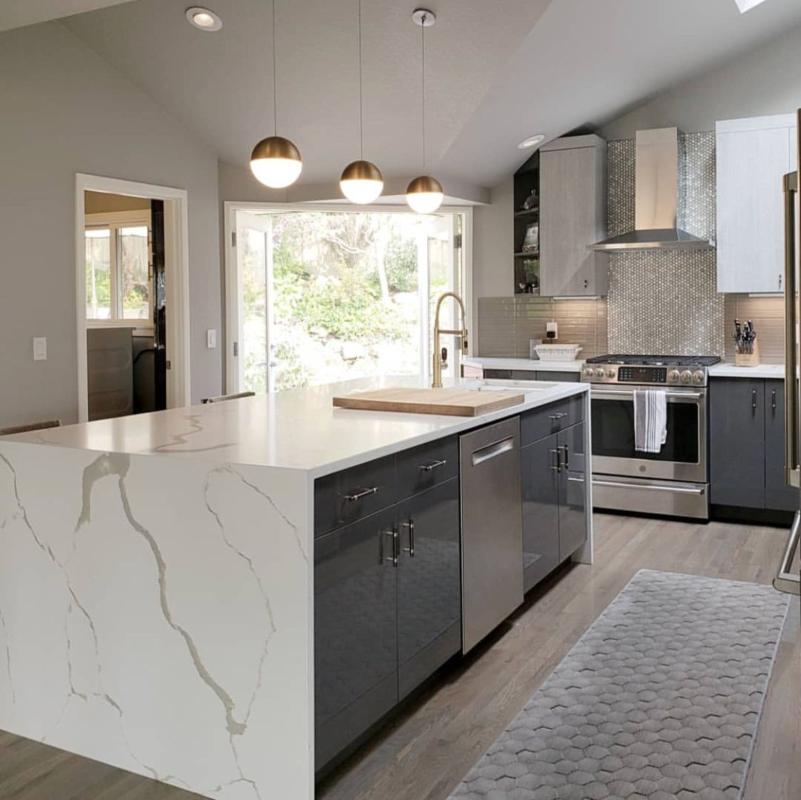 Can I Use Kitchen Cabinets In The Bathroom: Latitude Cabinets: Casa