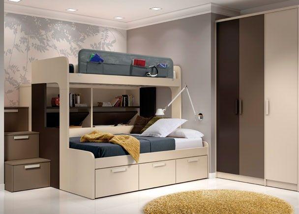 La #cama superior tiene una medida habitual para colchón de 90 x 190, mientras que la cama de abajo está diseñada para un colchón de 135.
