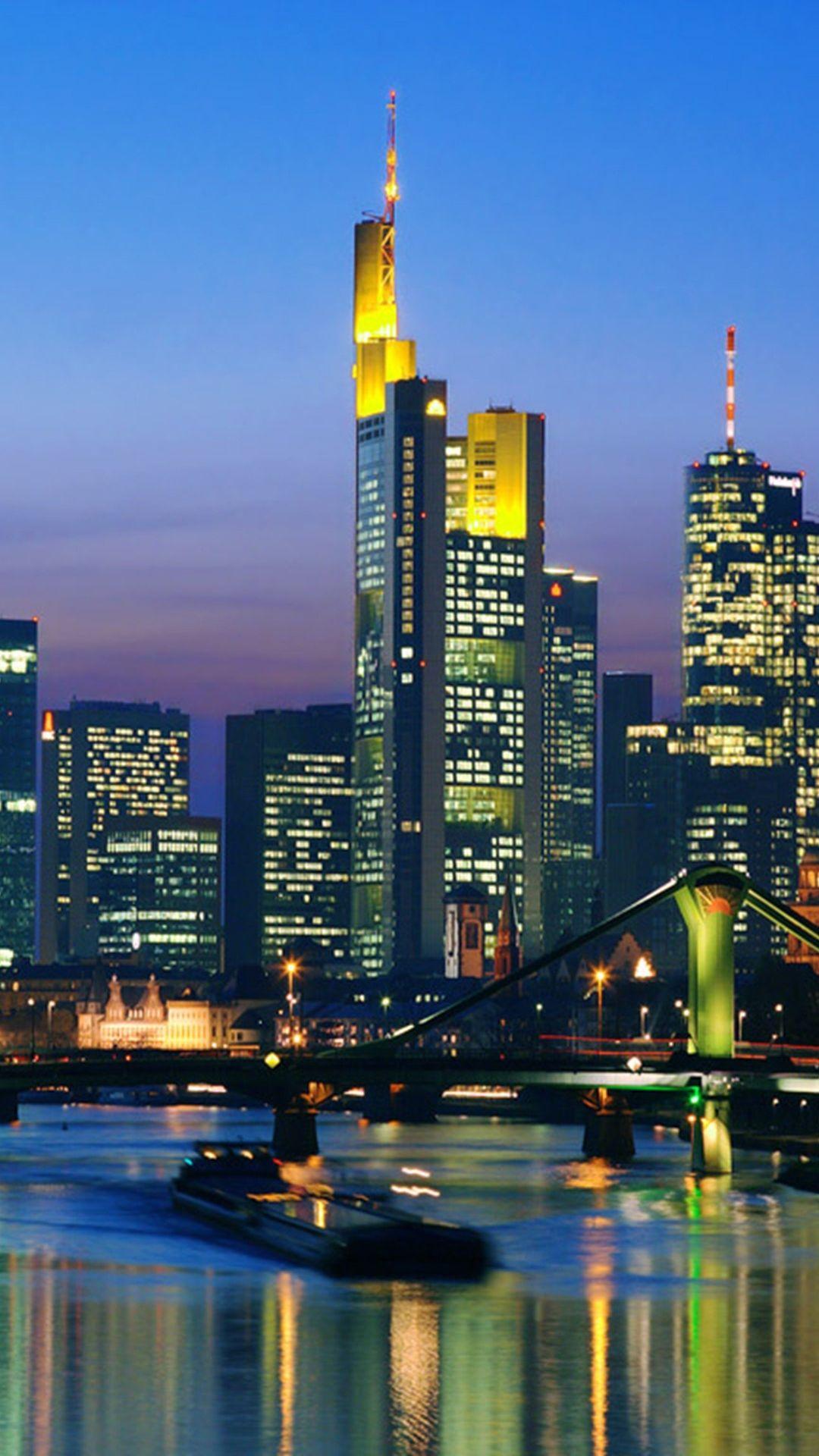 96 Frankfurt Wallpapers On Wallpapersafari Frankfurt Skyline Skyline Frankfurt