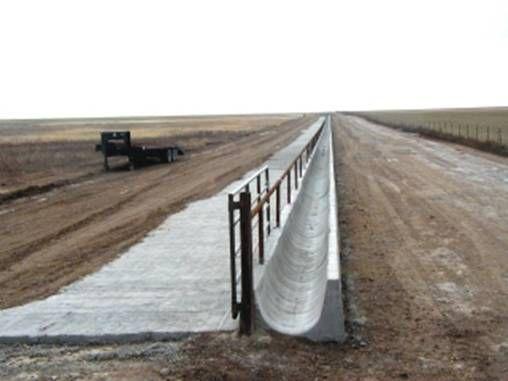 Cement Feed Bunks : Hunter agri construction slip form concrete bunks cows