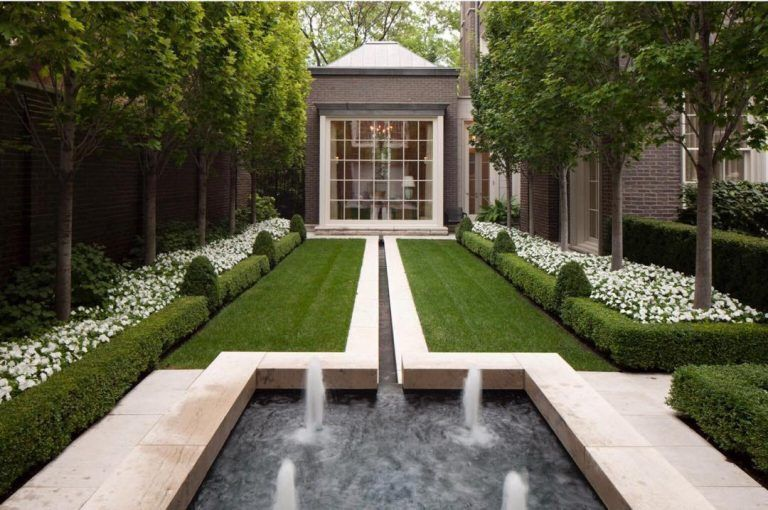 The Quiet Elegance Of A Contemporary Landscape Behind Classic