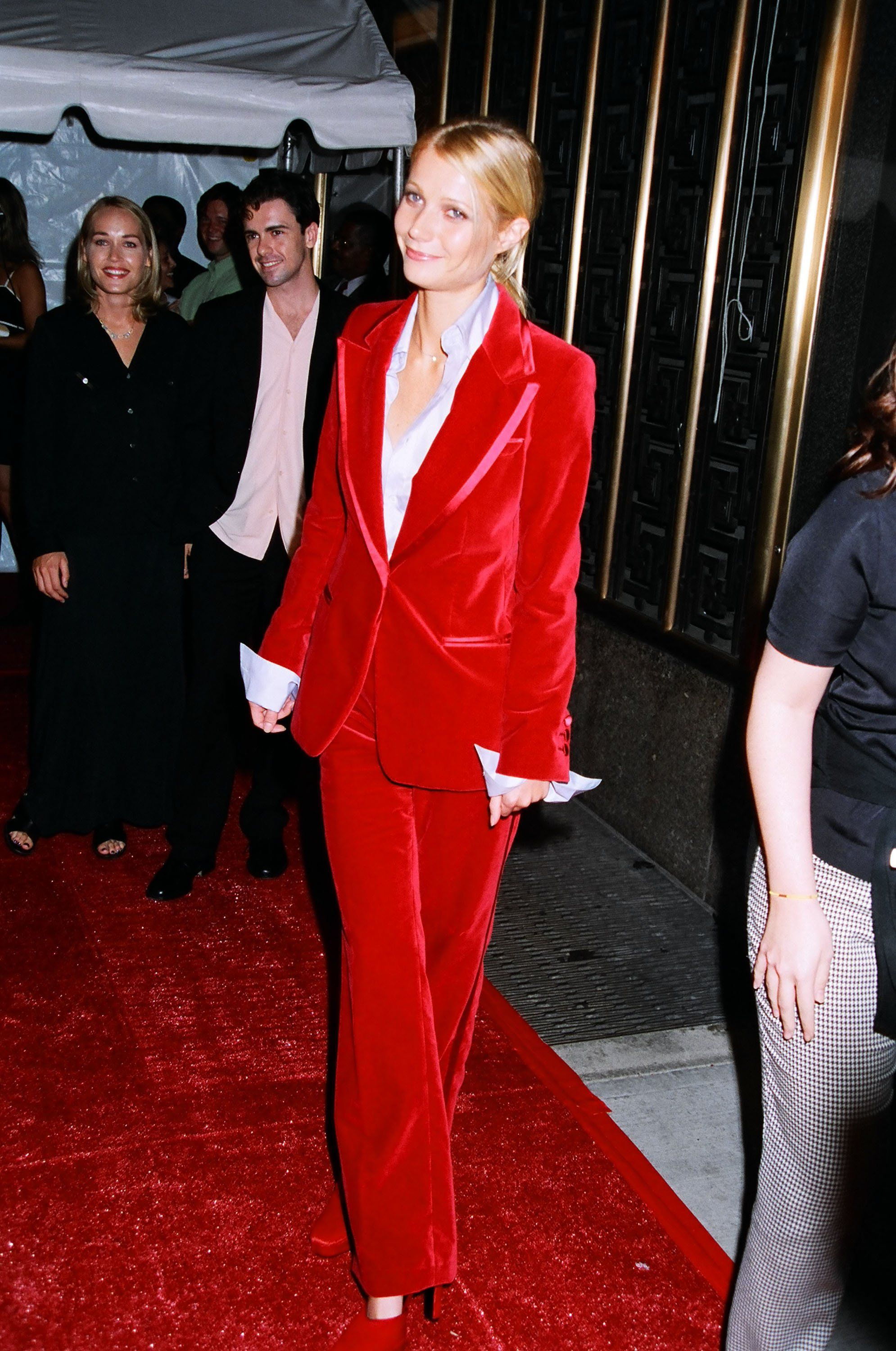 Gwyneth Paltrow In Velvet Red Tom Ford Gucci Suit 1996 Mtv Movie Awards