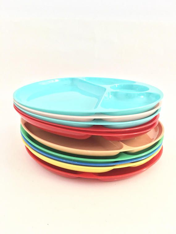 High Quality Vintage Picnic Plates Plastic Divided Patio Dishes Colored BBQ Plate Set Of  10