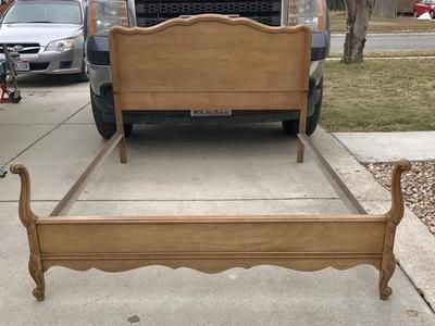 beautiful antique french provincial full size bed headboard footboard side rails cash only local pick up
