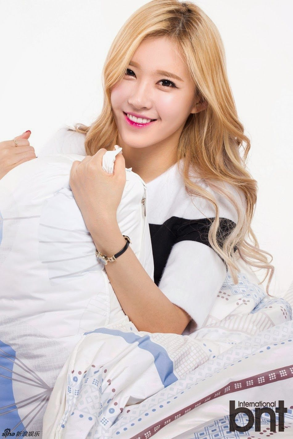 Name: Minyoung Kim Stagename: Ellin Member of: Crayon Pop Birthdate