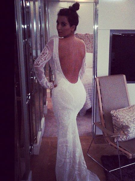 I M Not A Fan At All Of Long Sleeves Wedding Gowns But This Is So
