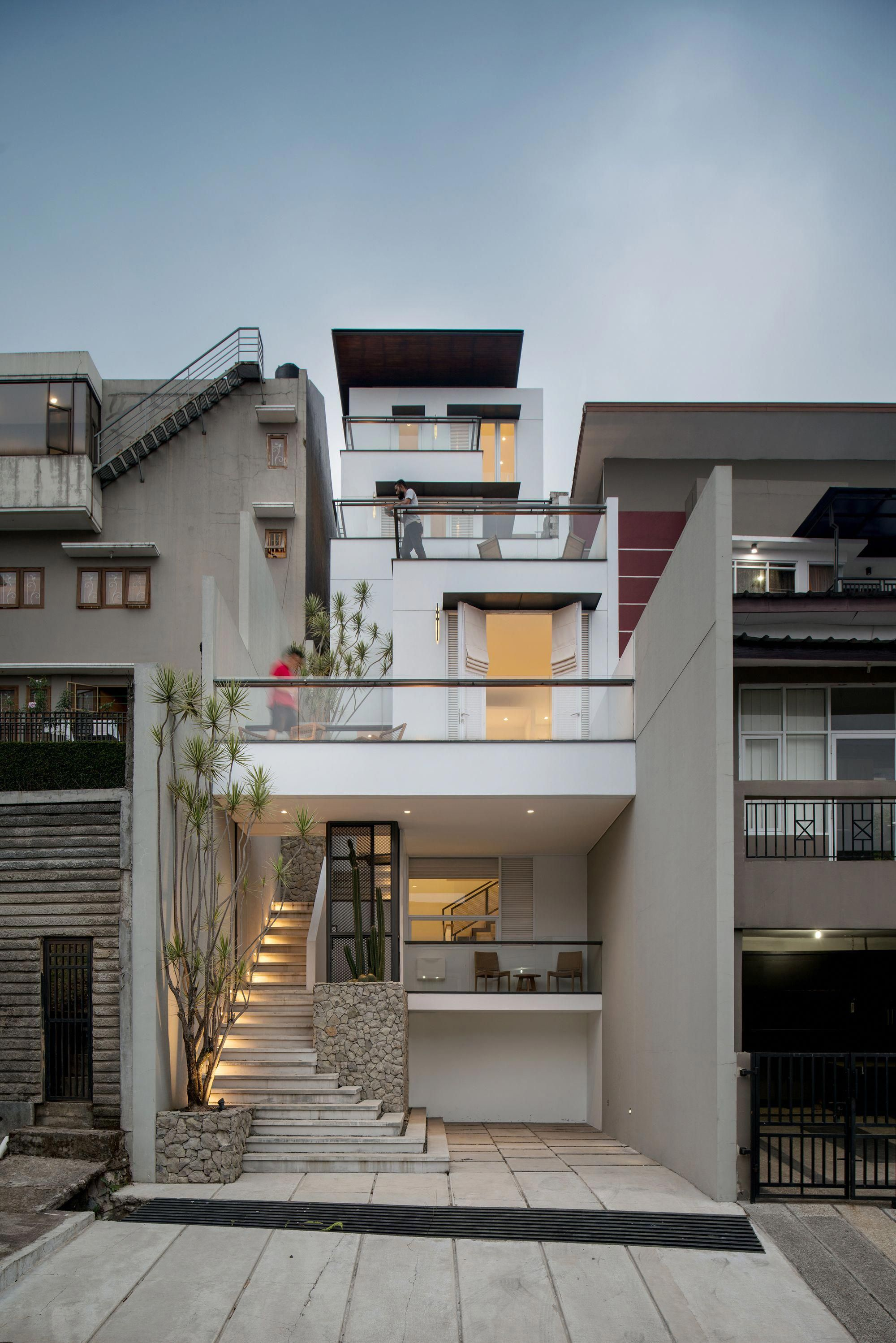 Completed In 2017 In Cidadap Indonesia Images By Nilaiasia On A Sloppy Narrow Land Measuring Modern Architecture House House Front Design Architecture House