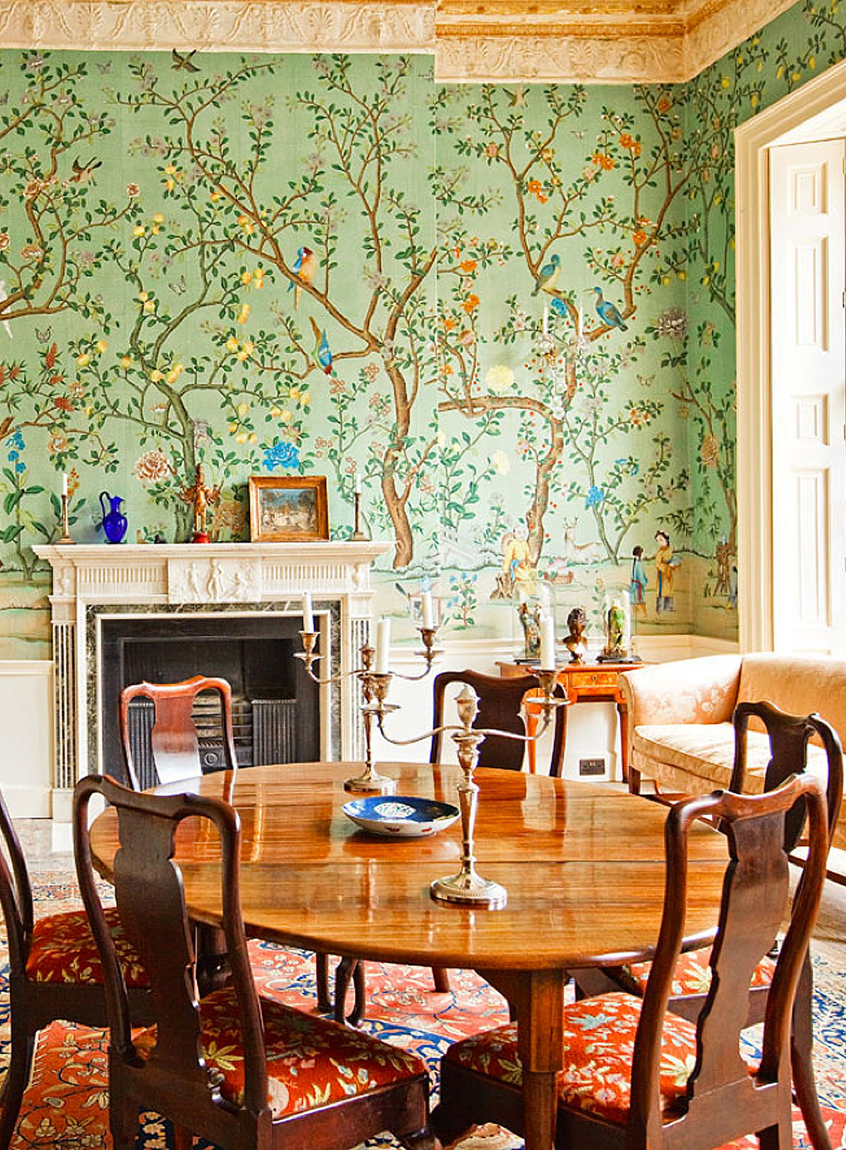 Chinoiserie wallpaper 'Abbotsford' design in standard