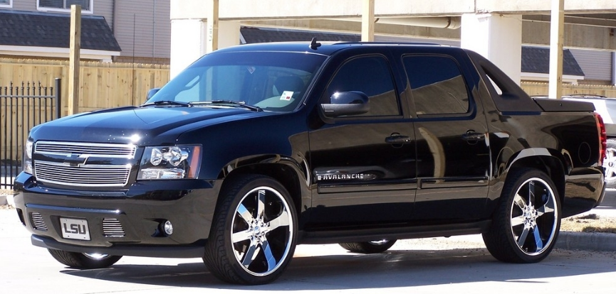 2019 Chevy Avalanche Release Date and Performance