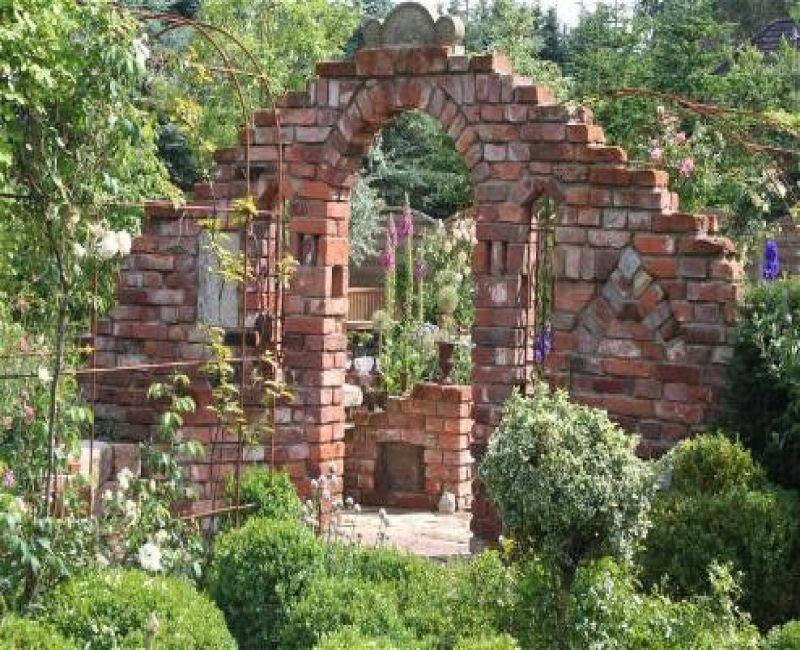 Lieblich Ruinenmauer Im Garten Kunstrasen Garten 1 (800×