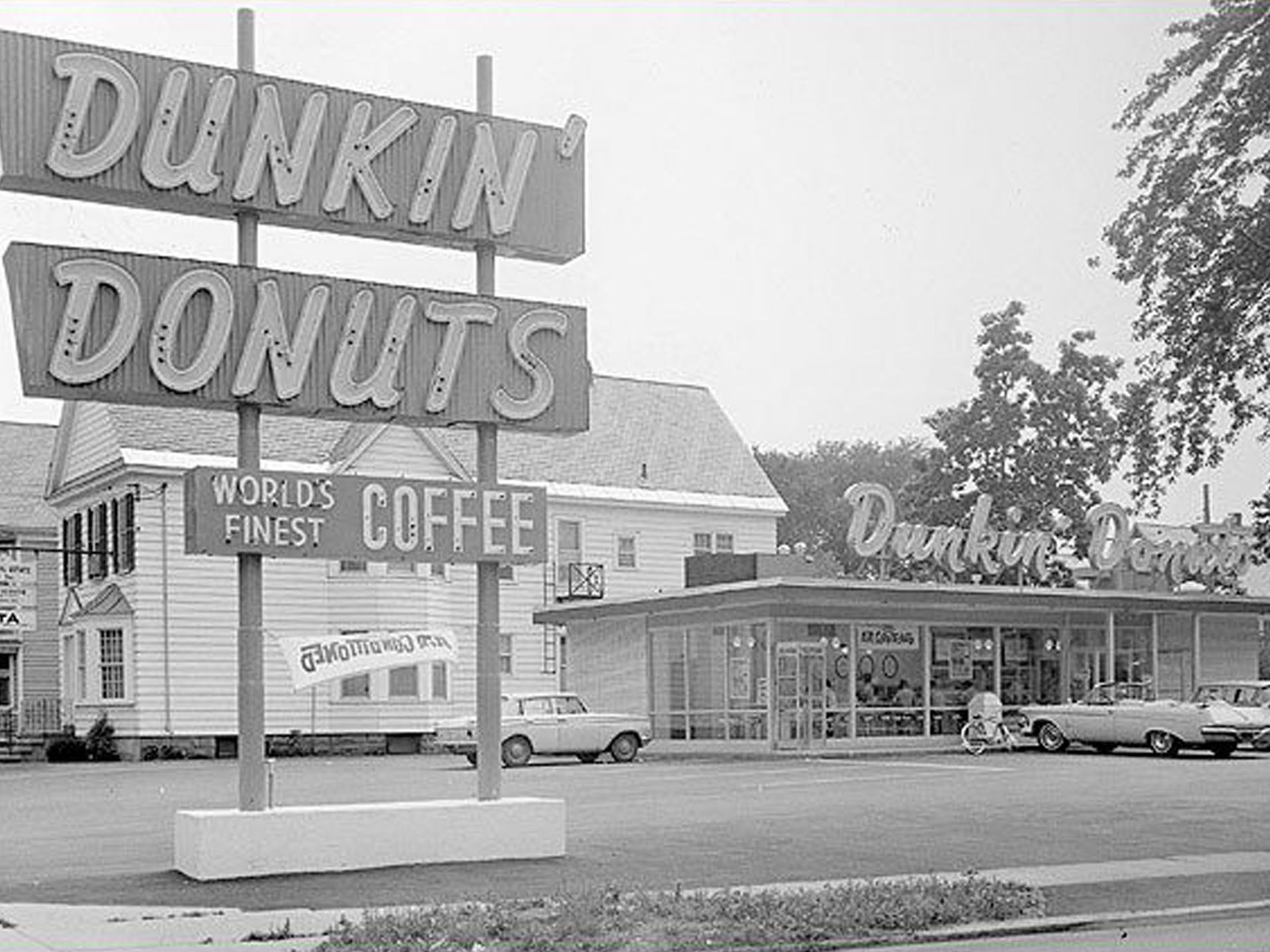 Where your favorite fastfood chains began Dunkin donuts