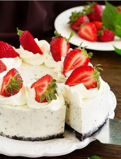Tvarohová oreo torta s jahodami