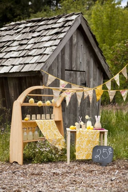 darling lemonade stand - love that items are reusable! #kids