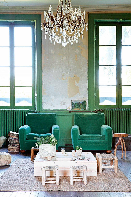 Een kleurrijk bohemian interieur   Coffee shop design, Emeralds and ...