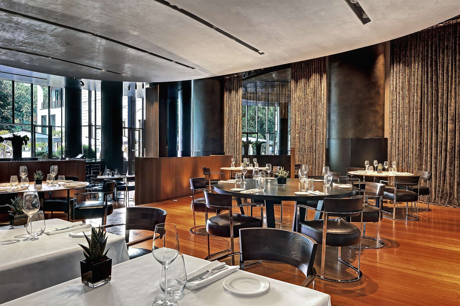 Luxury Italian Restaurants Near Duomo Milan Bulgari Hotel Milano