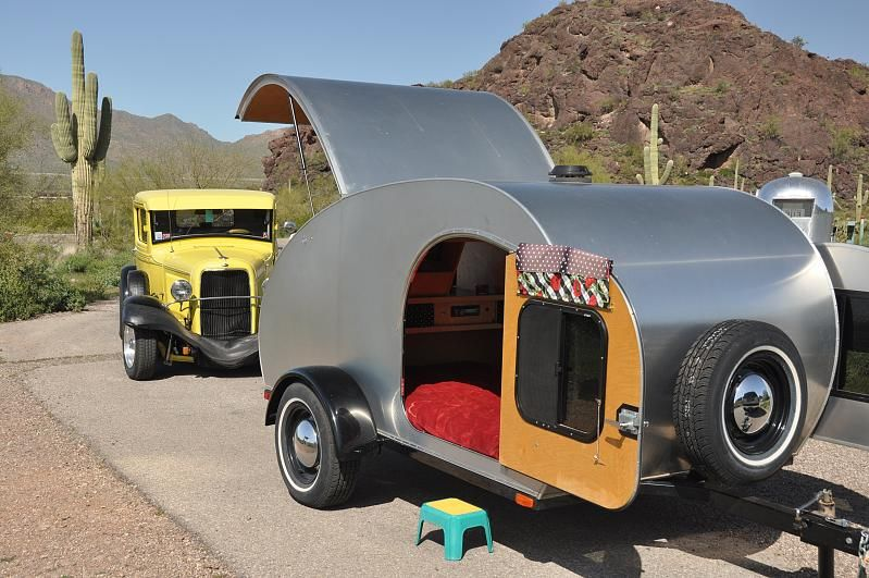 Teardrop trailer in the desert