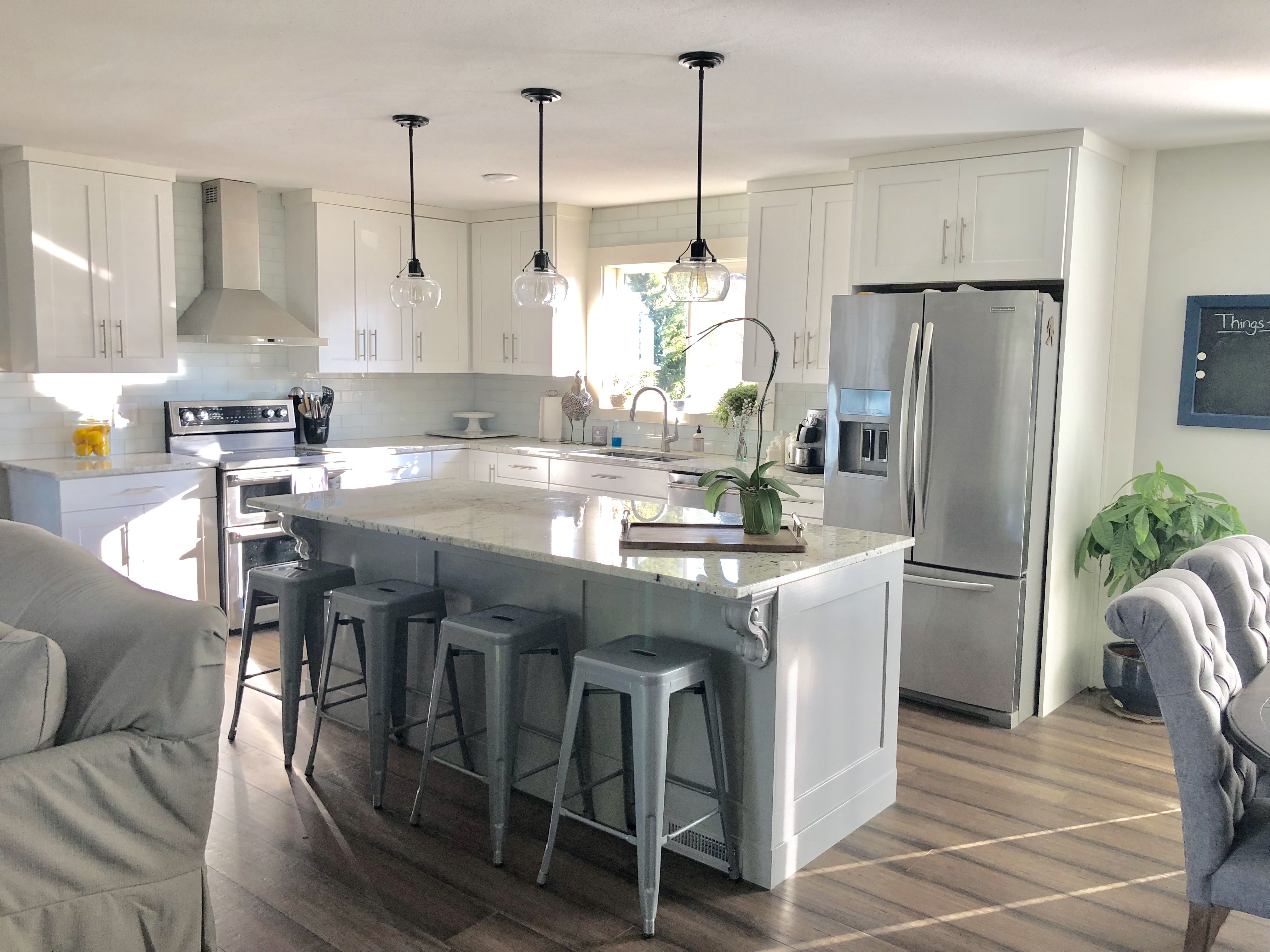 Split Level Kitchen Remodel White Shaker Cabinets Farmhouse Kitchen Remodel Galley Kitchen Remodel Diy Kitchen Remodel