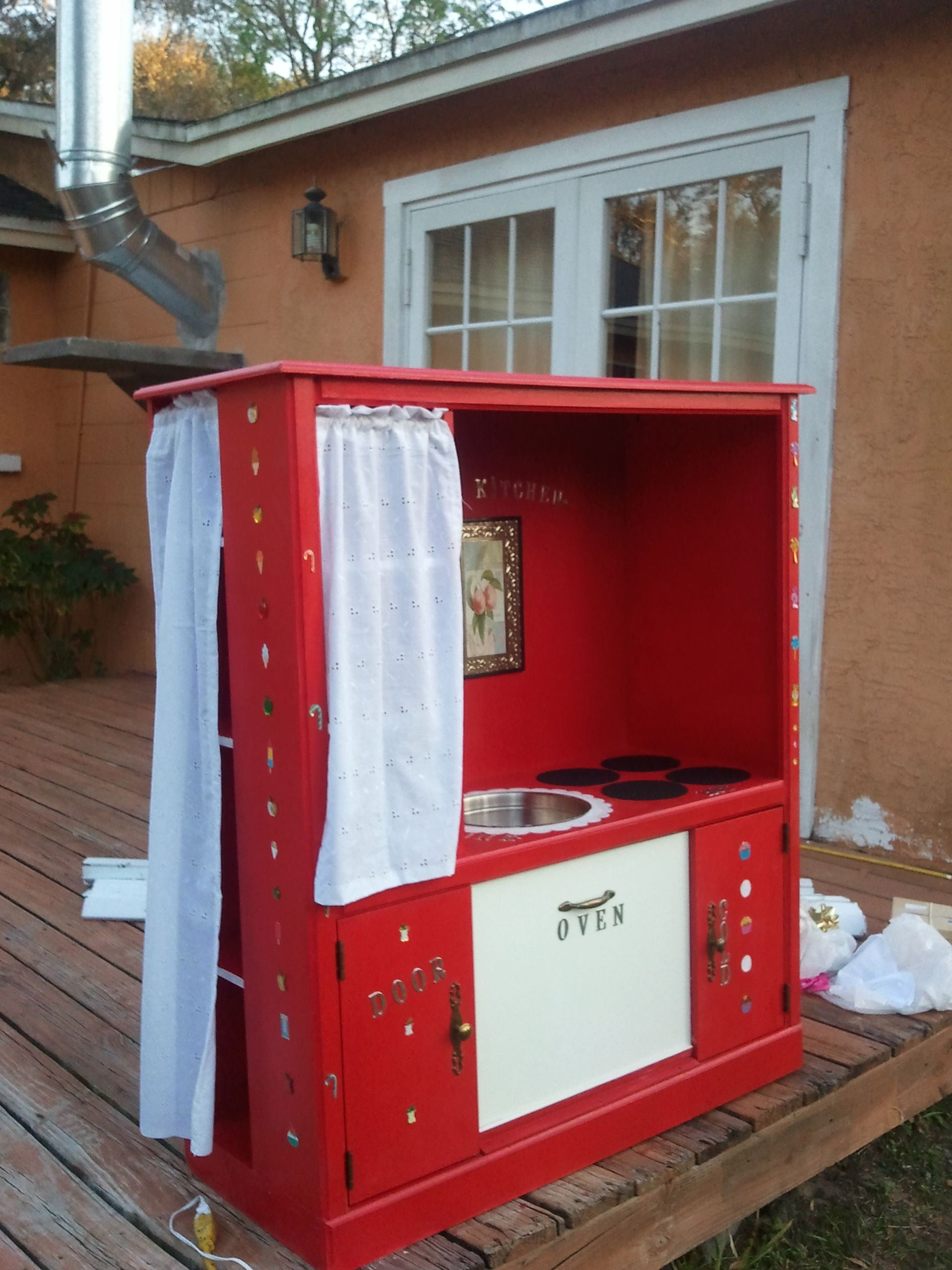Susi 39 s play kitchen upcycled from an old entertainment for Upcycled entertainment center