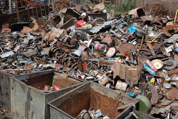 Pros And Cons Of Extracting Metal Versus Recycling Scrap Metal Recycling Information Recycling Recycling Process