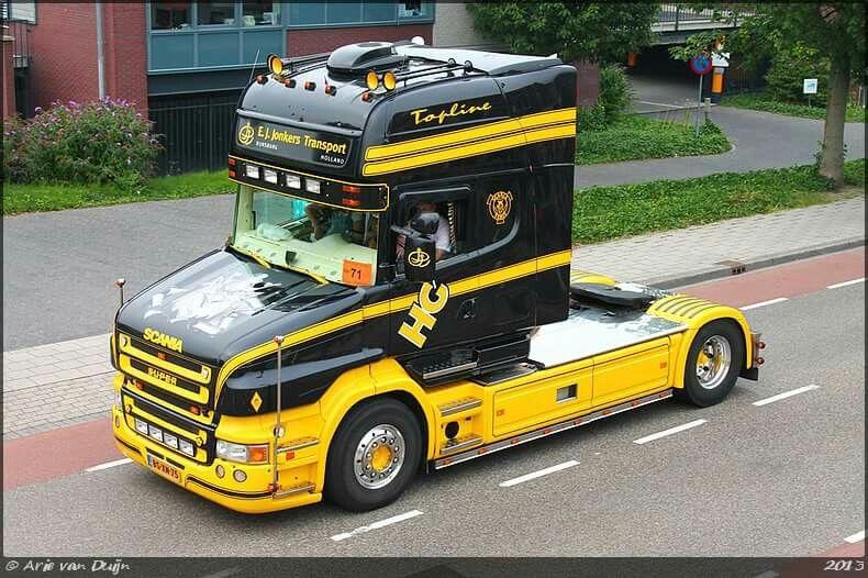 Scania super R.