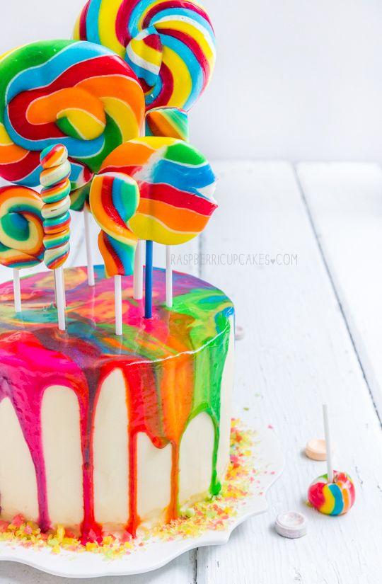 Bolo psicodélico de arco-íris com pirulito em espiral | Psychedelic Rainbow Swirl Lollipop Cake