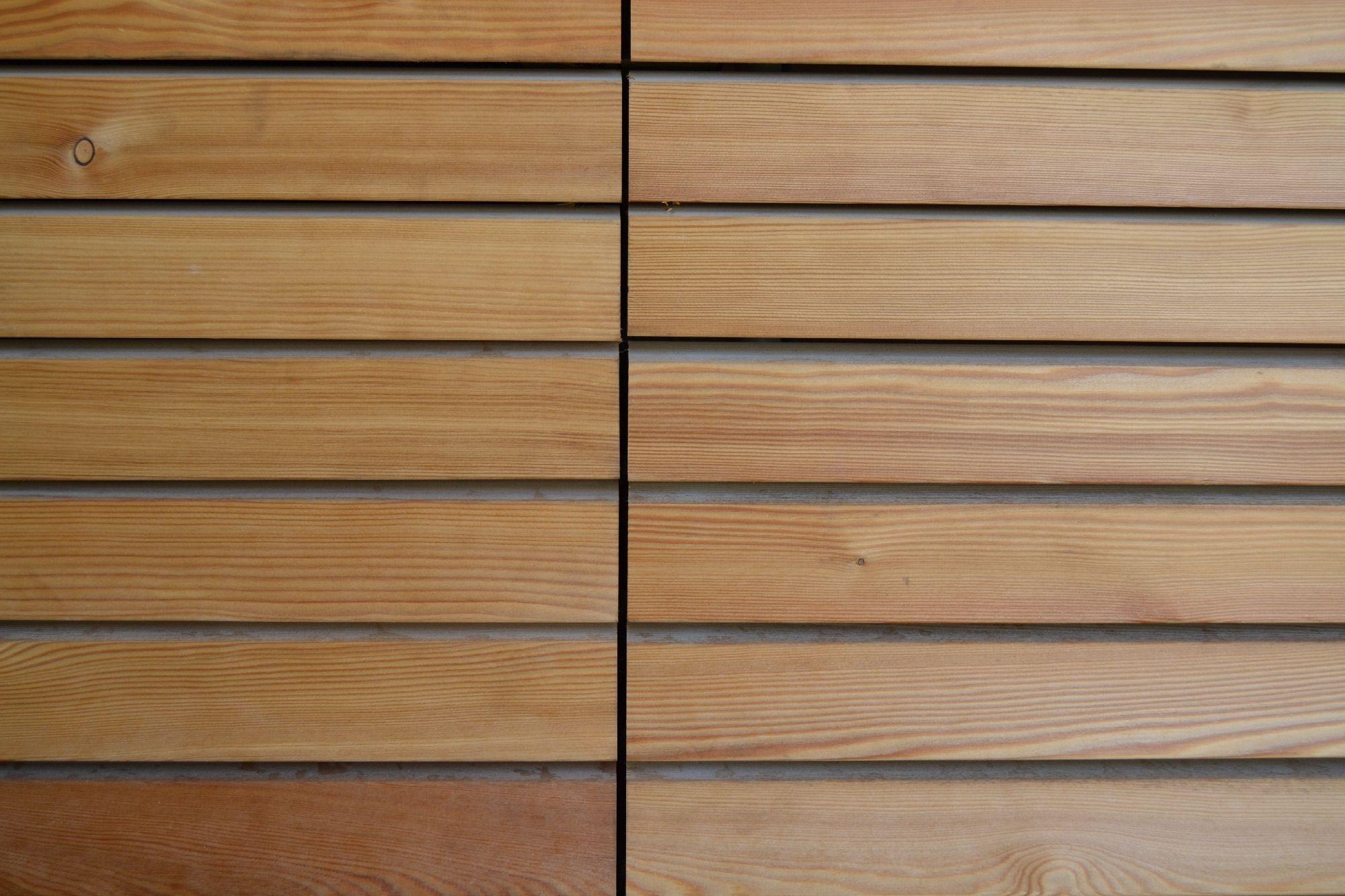 LARICE SIBERIANO - Netto nodi. Rivestimenti in legno per pareti esterne.  Legno  Pinterest