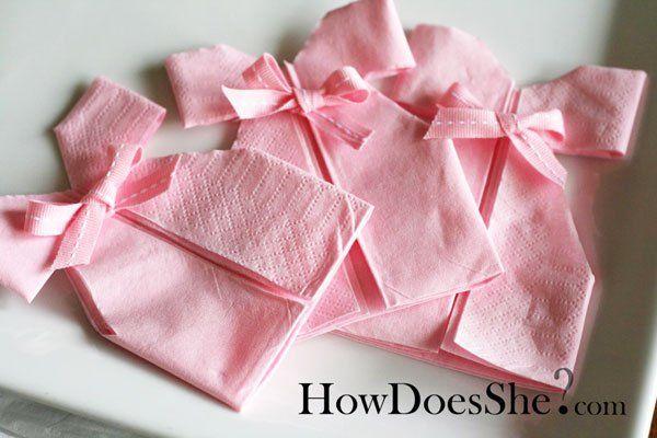 Diy d coration pliage de serviette robe pour babyshower bapt me ou anniversaire pliage - Pliage serviette bapteme fille ...