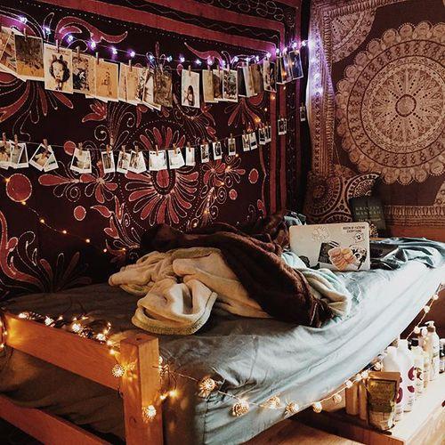 Love this dorm room! So cool! | Stoner Room | Pinterest