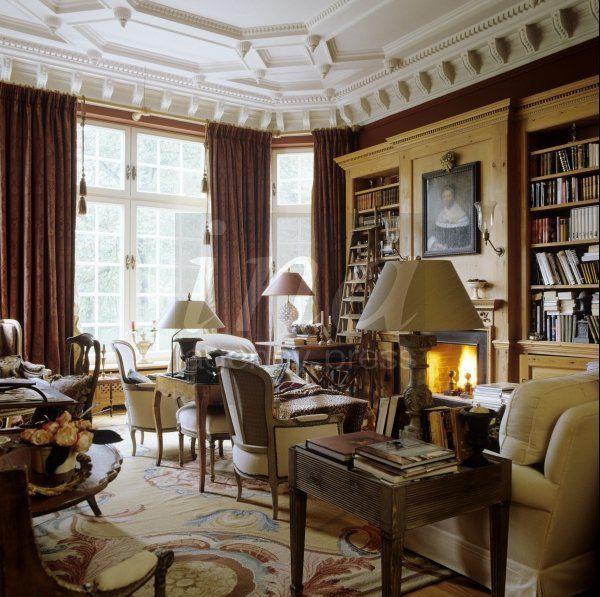 Home Of Designer & Antique Dealer Elisabeth Cawi In