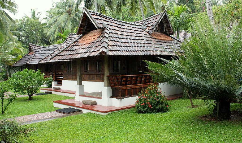 a nalukettu traditional house in trivandrum kerala - Traditional Home Design