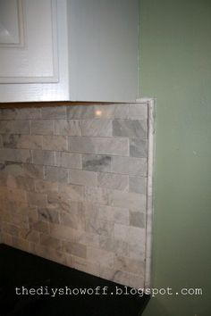 Way To End Stacked Ledgestone Backsplashes At The End Of A Countertop For Kitchens Google Search Diy Shows Kitchen Makeover Diy Backsplash