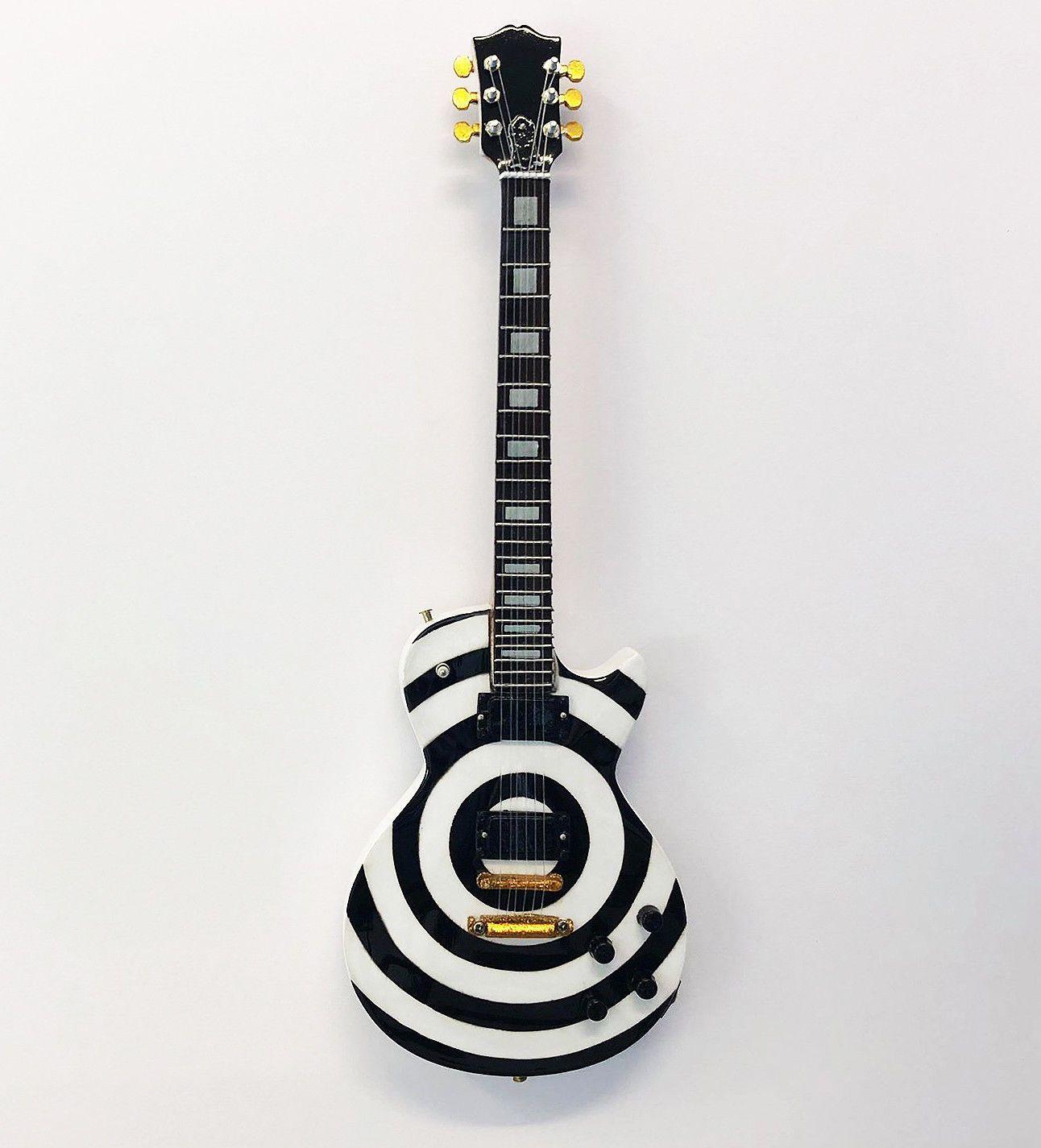 Zakk Wylde S 1981 Gibson Les Paul Custom Aka The Grail My Dream Guitar Guitar Gibson Guitars Guitar Lovers