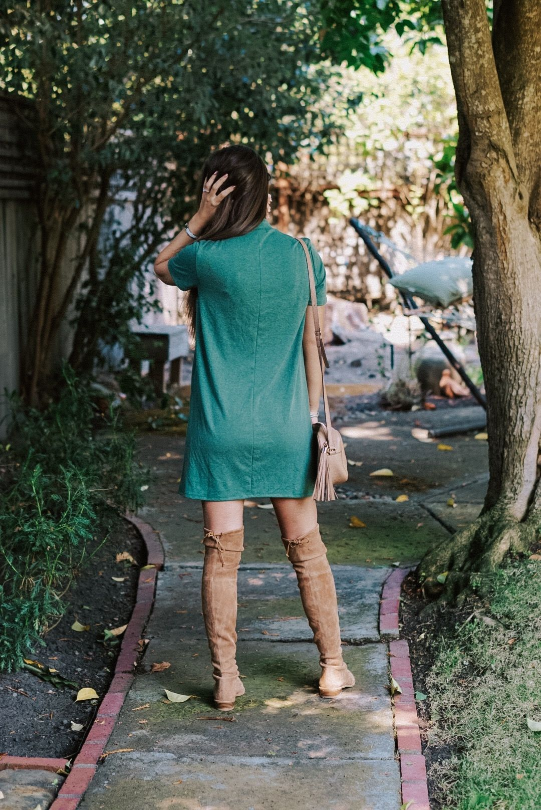 568d24e3c50 Friday Fall Feels with a Forever21 Green Dress