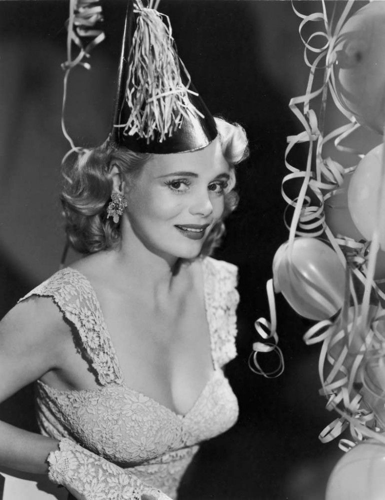 Marie Wilson (1916-1972) in 2020   New year's eve 2011, Happy new year  movie, Actresses