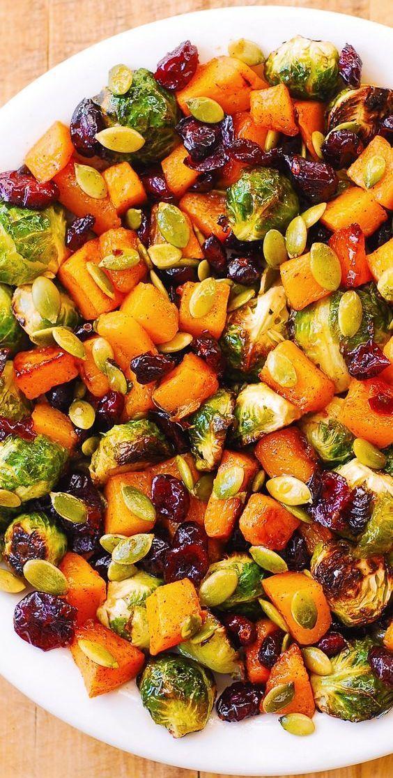 Roasted Brussels Sprouts Salad with Maple Butternut Squash, Pumpkin Seeds, and Cranberries #holidays #holidaysalad #holidayside #holidaysidedish #Brussels #butternut #Cranberries #ensaladas #maple #postres faciles #postres gourmet #Pumpkin #recetas de cocina #recetas de postres #recetas faciles #recetas pasta #recetas saludables #recetas vegetarianas #Roasted #Salad #saludables #seeds #sprouts #Squash